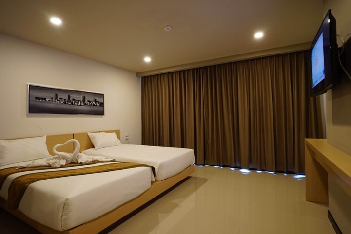 Beston Hotel Pattaya Pool Superior Room 6