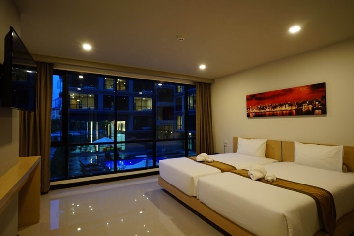 Beston Hotel Pattaya Pool Superior Room 8